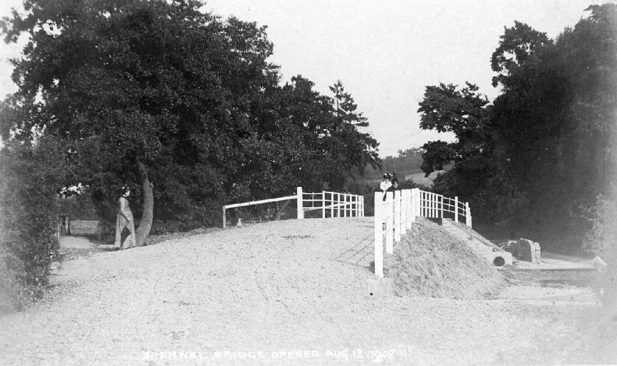 The road bridge over the river Arrow, Spernall.  1908 |  IMAGE LOCATION: (Warwickshire County Record Office)