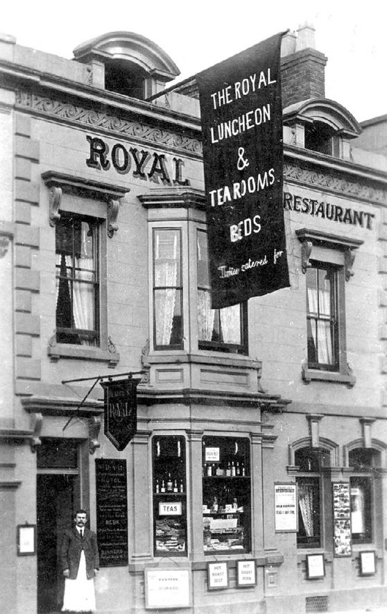 The Royal Restaurant, Bridge Street, Stratford upon Avon.  1909 postmark |  IMAGE LOCATION: (Warwickshire County Record Office)