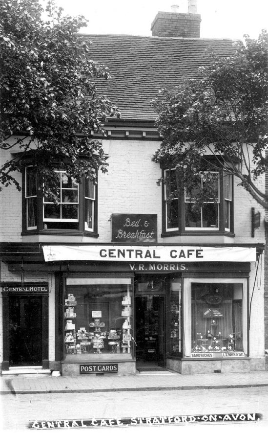 Central Cafe, Stratford upon Avon.  1933 postmark |  IMAGE LOCATION: (Warwickshire County Record Office)