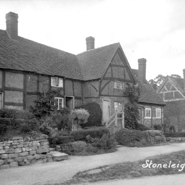 Stoneleigh.  Timber framed cottages