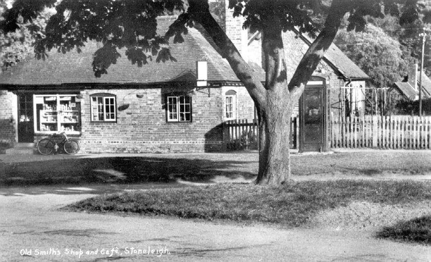Stoneleigh.  Old Smith's shop and café |  IMAGE LOCATION: (Warwickshire County Record Office)