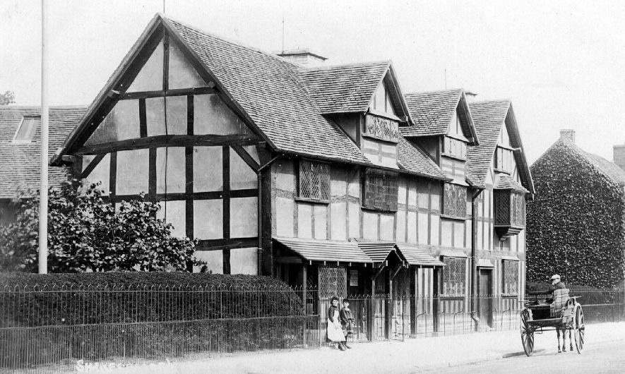 Shakespeare's birthplace,  Henley Street, Stratford upon Avon.  1910s |  IMAGE LOCATION: (Warwickshire County Record Office)