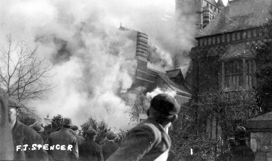 Fire at Shakespeare Memorial Theatre, Stratford upon Avon.  1926 |  IMAGE LOCATION: (Warwickshire County Record Office)