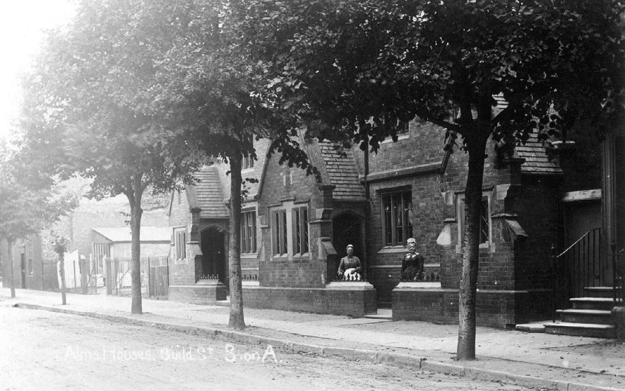Alms houses in Guild Street, Stratford upon Avon.  1900s |  IMAGE LOCATION: (Warwickshire County Record Office)