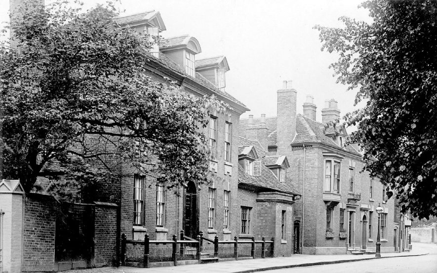 Old Town, Stratford upon Avon.  1900s |  IMAGE LOCATION: (Warwickshire County Record Office)