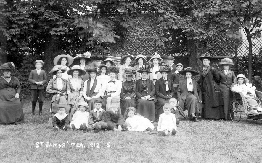 Presumably a group of members of the congregation, of St James church, Stratford upon Avon.  1912    IMAGE LOCATION: (Warwickshire County Record Office)
