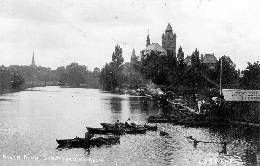 The river at Stratford upon Avon showing the Memorial Theatre.  1900s |  IMAGE LOCATION: (Warwickshire County Record Office)