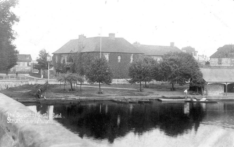 The Swans Nest Hotel, Stratford -upon-Avon.  1900s    IMAGE LOCATION: (Warwickshire County Record Office)