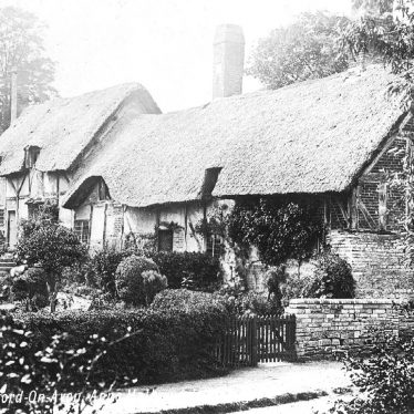 Shottery.  Anne Hathaway's Cottage