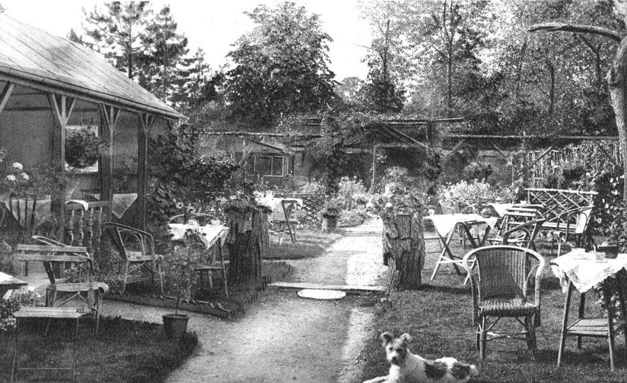 Rosalind Tea Gardens,  Church Street, Stratford upon Avon.  1910s    IMAGE LOCATION: (Warwickshire County Record Office)