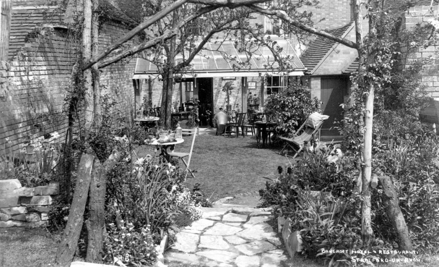 Bancroft Hotel & Restaurant, Sheep Street, Stratford upon Avon.  1930s |  IMAGE LOCATION: (Warwickshire County Record Office)