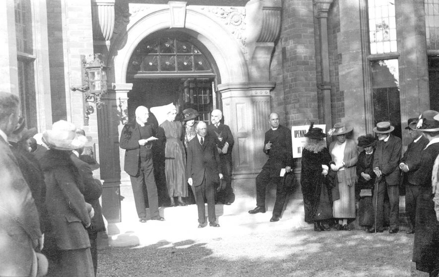 V.I.Ps at the door of Stratford upon Avon hospital at the time of the opening of a new department.  1921 |  IMAGE LOCATION: (Warwickshire County Record Office)