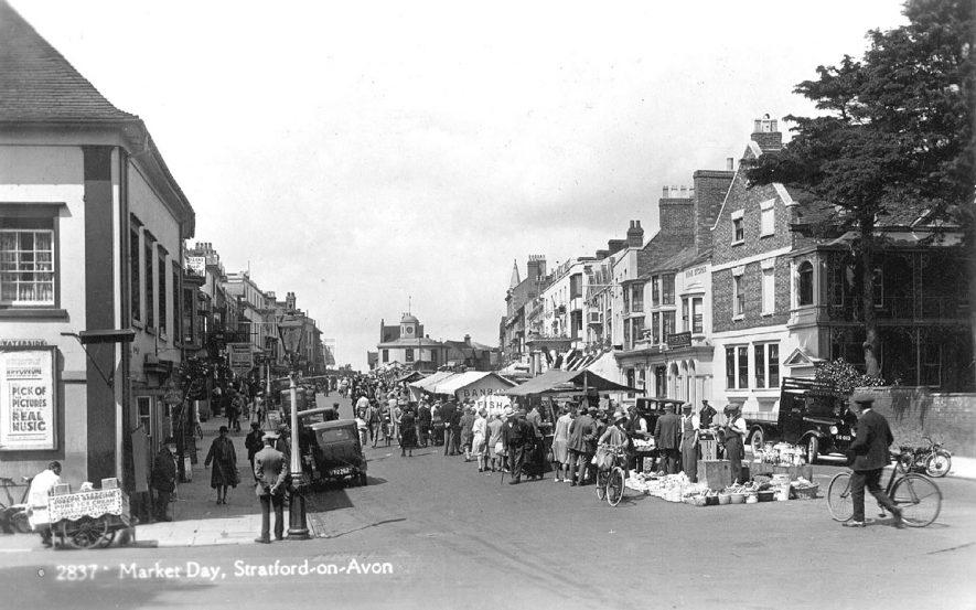 Market stalls in Bridge Street, Stratford upon Avon.  1930s |  IMAGE LOCATION: (Warwickshire County Record Office)