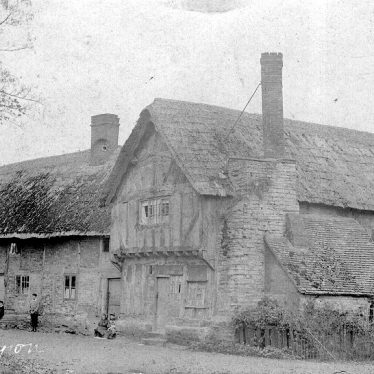 Tiddington.  Half timbered house