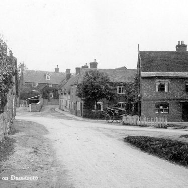 Village street in Stretton on Dunsmore.  1900s |  IMAGE LOCATION: (Warwickshire County Record Office)