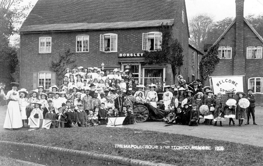 The maypole group of children in costume at Stretton on Dunsmore.  1905 |  IMAGE LOCATION: (Warwickshire County Record Office)