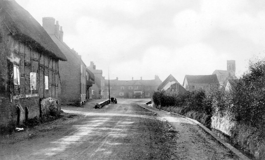 South view of Brookside, Stretton on Dunsmore.  1920s |  IMAGE LOCATION: (Warwickshire County Record Office)
