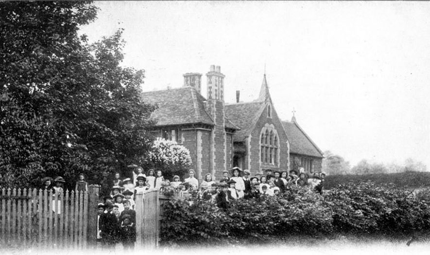 Stretton on Dunsmore school and children.  1900s |  IMAGE LOCATION: (Warwickshire County Record Office)