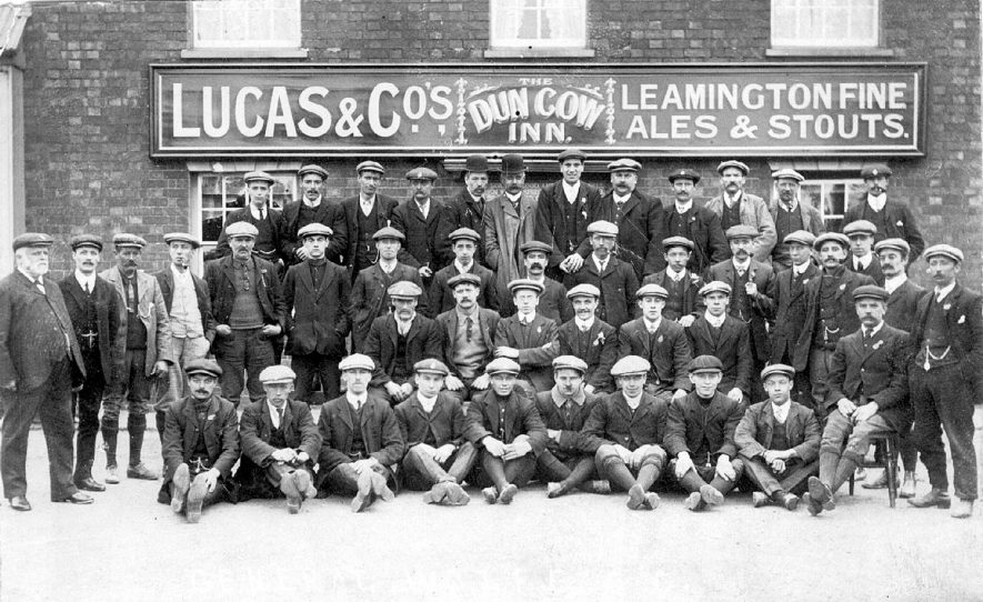 Large group of men outside The Dun Cow Inn, Stretton on Dunsmore.  1900s    IMAGE LOCATION: (Warwickshire County Record Office)