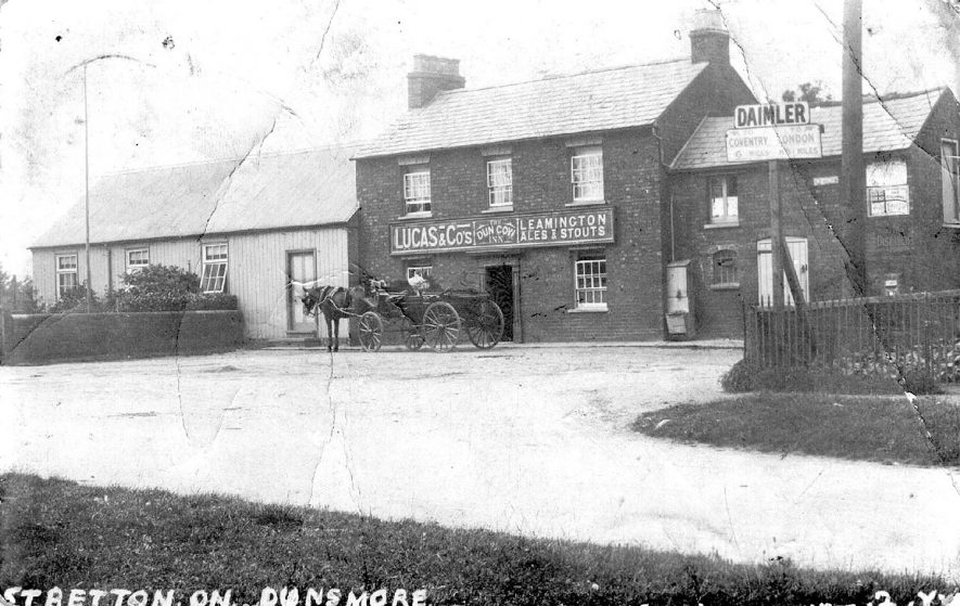 Horse and cart standing outside The Dun Cow Inn, Stretton on Dunsmore.  1900s |  IMAGE LOCATION: (Warwickshire County Record Office)