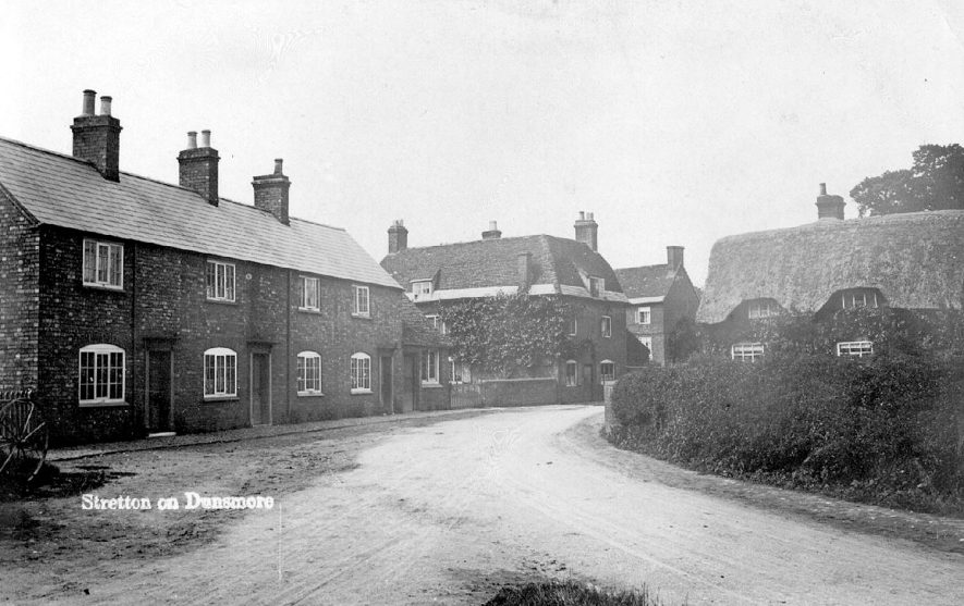 Village street with cottages and larger house, Stretton on Dunsmore.  1907 |  IMAGE LOCATION: (Warwickshire County Record Office)