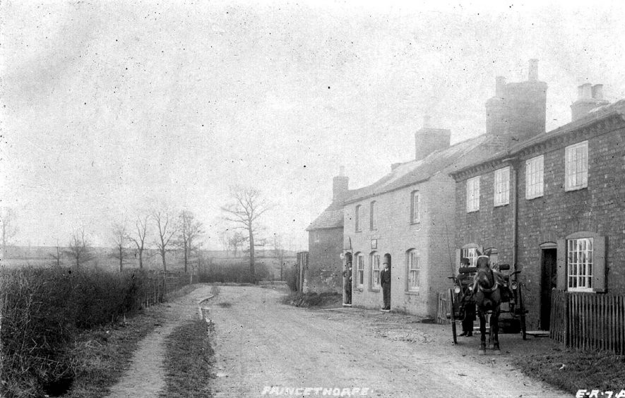 Cottages on Wappenbury Road at the entrance to Princethorpe.  1900s |  IMAGE LOCATION: (Warwickshire County Record Office)