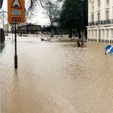 Leamington Spa.  Parade, floods