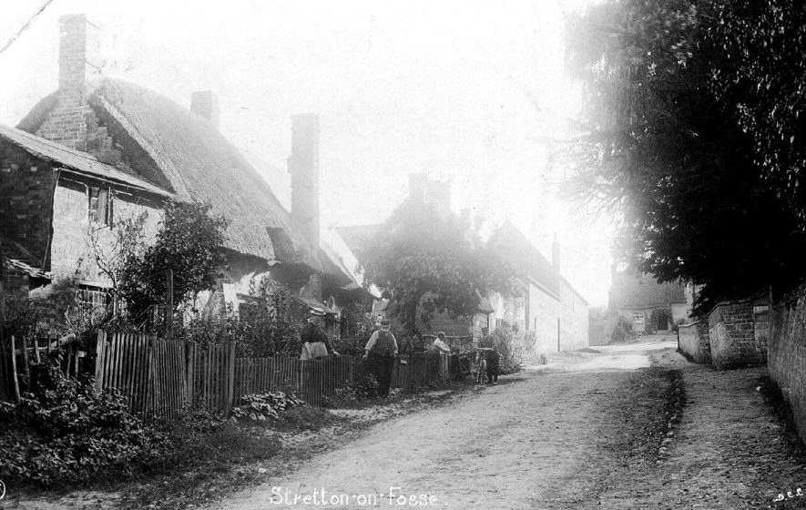 General view of cottages and cottagers in Stretton on Fosse.  1900s |  IMAGE LOCATION: (Warwickshire County Record Office)