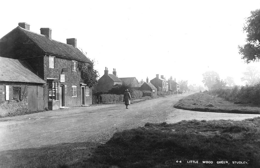 The road to Bromsgrove passing through Little Wood Green, Studley.  1920s    IMAGE LOCATION: (Warwickshire County Record Office)