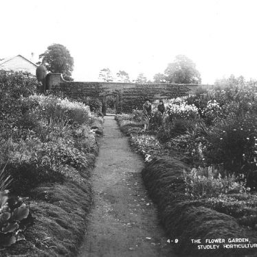 Studley.  Horticultural College for Women, garden