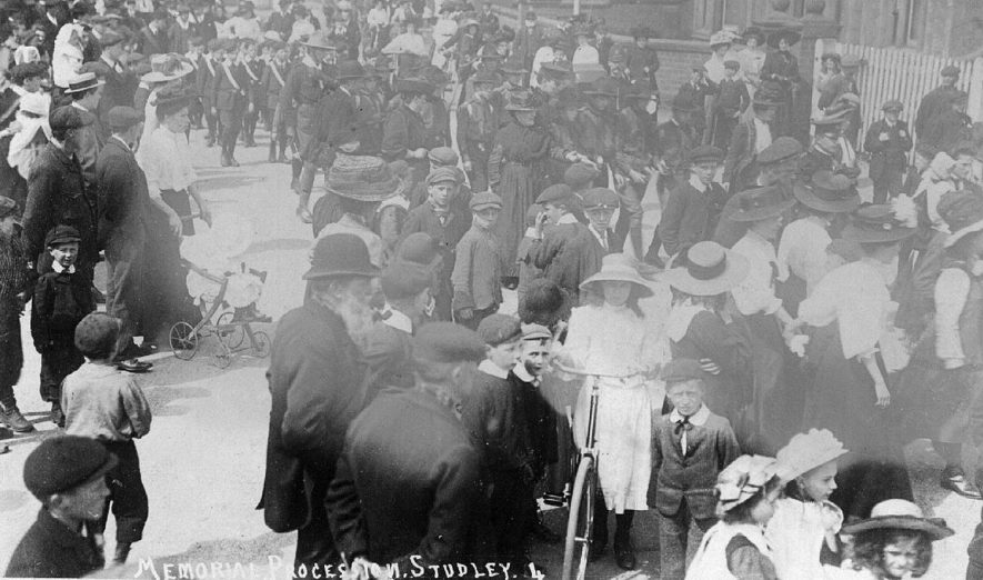 A procession in Studley.  1900s |  IMAGE LOCATION: (Warwickshire County Record Office)
