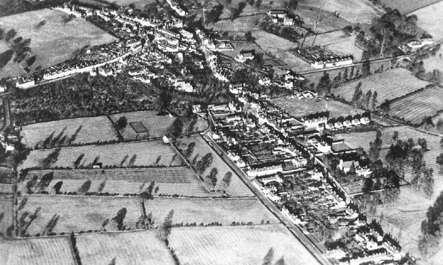 Aerial view of Studley.  1925 |  IMAGE LOCATION: (Warwickshire County Record Office)