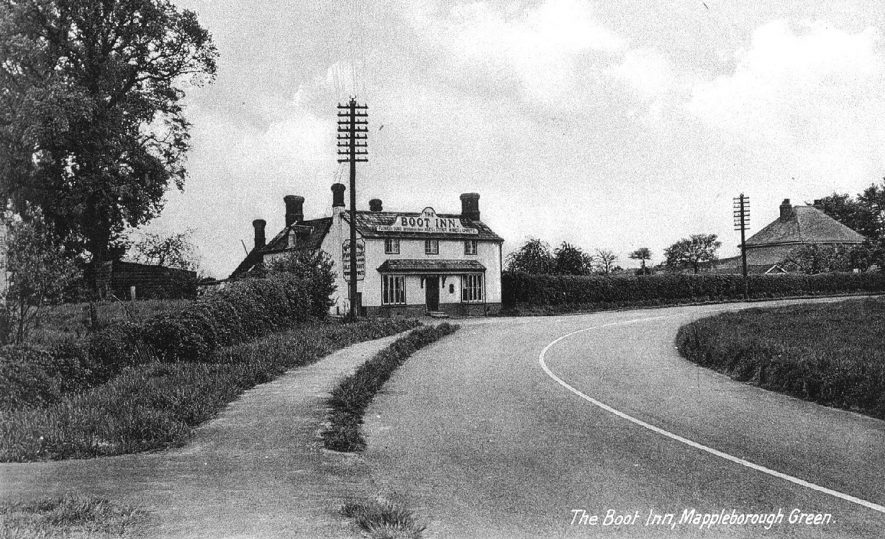 The Boot Inn, Mappleborough Green.  1920s |  IMAGE LOCATION: (Warwickshire County Record Office)