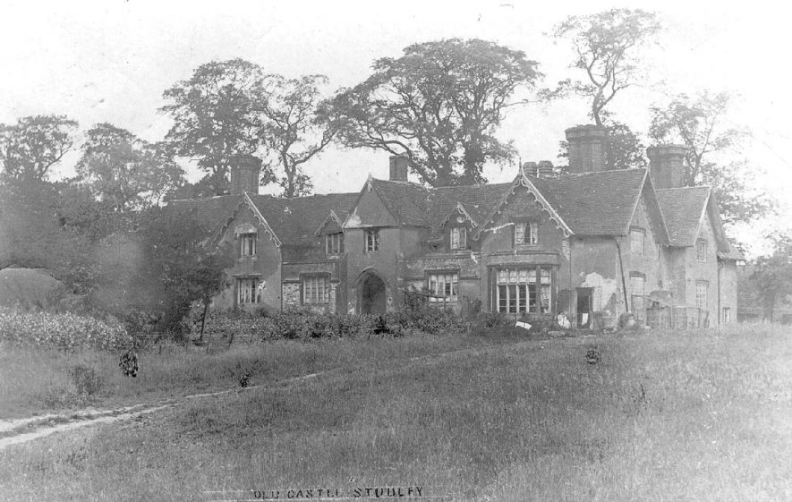 Old Castle, a large gabled country house, Studley.  1900s |  IMAGE LOCATION: (Warwickshire County Record Office)