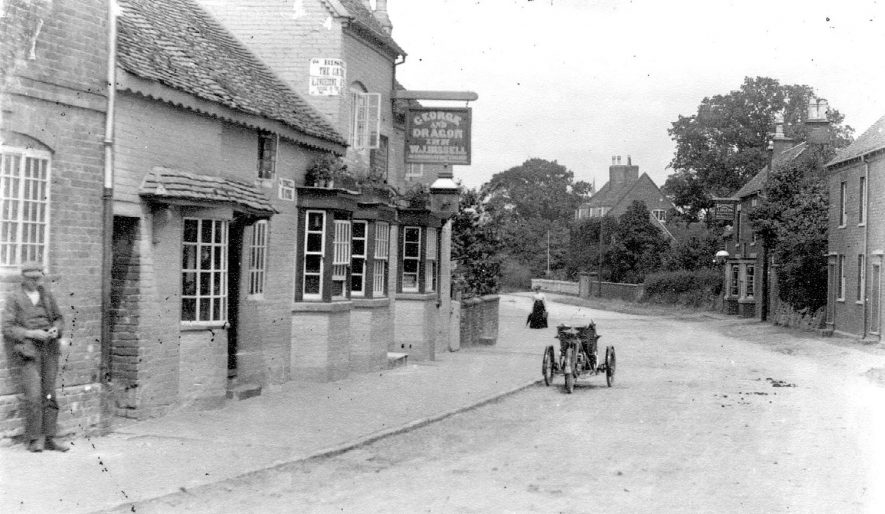 The George & Dragon inn at Coleshill.  1900s    IMAGE LOCATION: (Coleshill Library)