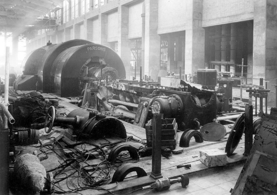 Hams Hall Power Station turbine alternator no 4, Lea Marston. [the photo is the bottom cylinder casing of the high pressure turbine showing the worm gear set at right angles to the main shaft, the HP rotor has not been fitted] 1947 |  IMAGE LOCATION: (Coleshill Library)