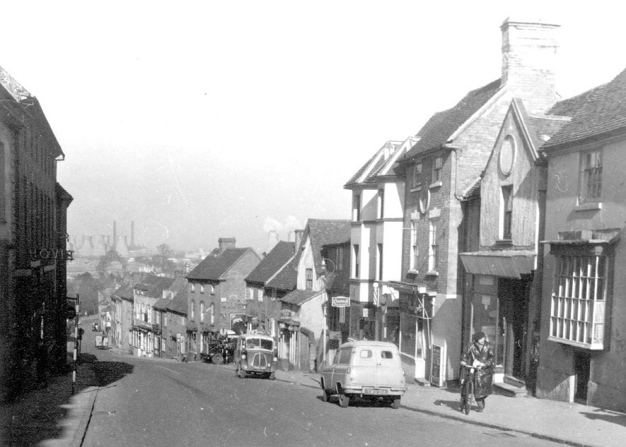 High Street, Coleshill.  1954 |  IMAGE LOCATION: (Coleshill Library)