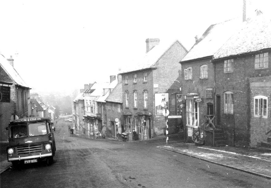 Lower High Street, Coleshill, looking north.  1950 |  IMAGE LOCATION: (Coleshill Library)