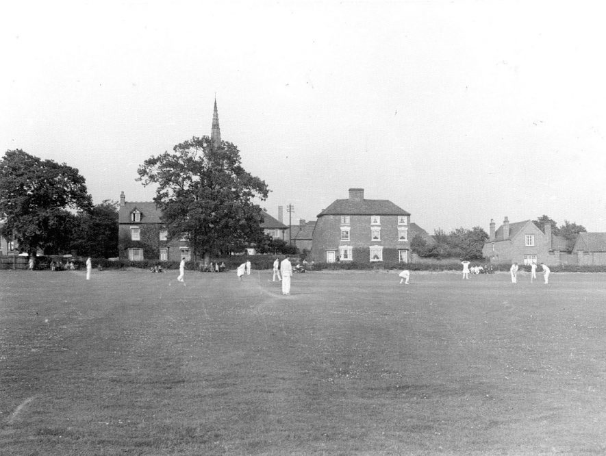 Cricket match in Parkfield Road Memorial Park, Coleshill.  1960s |  IMAGE LOCATION: (Coleshill Library)