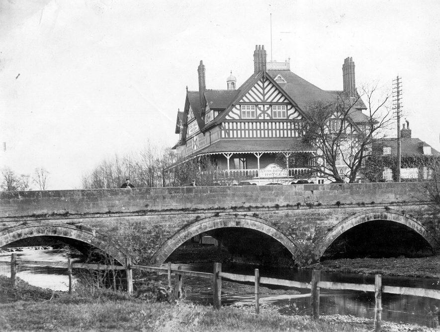 Stonebridge Hotel, Coleshill.  1890s |  IMAGE LOCATION: (Coleshill Library)