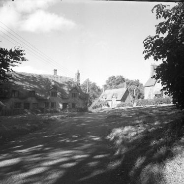 Wormleighton.  Cottages