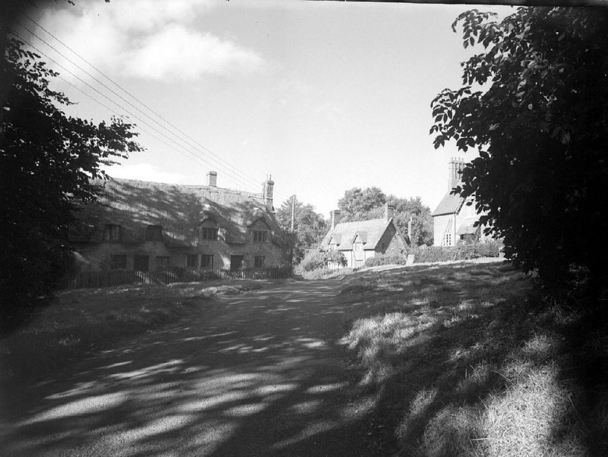 Thatched cottages in Wormleighton.  1950 |  IMAGE LOCATION: (Warwickshire County Record Office)