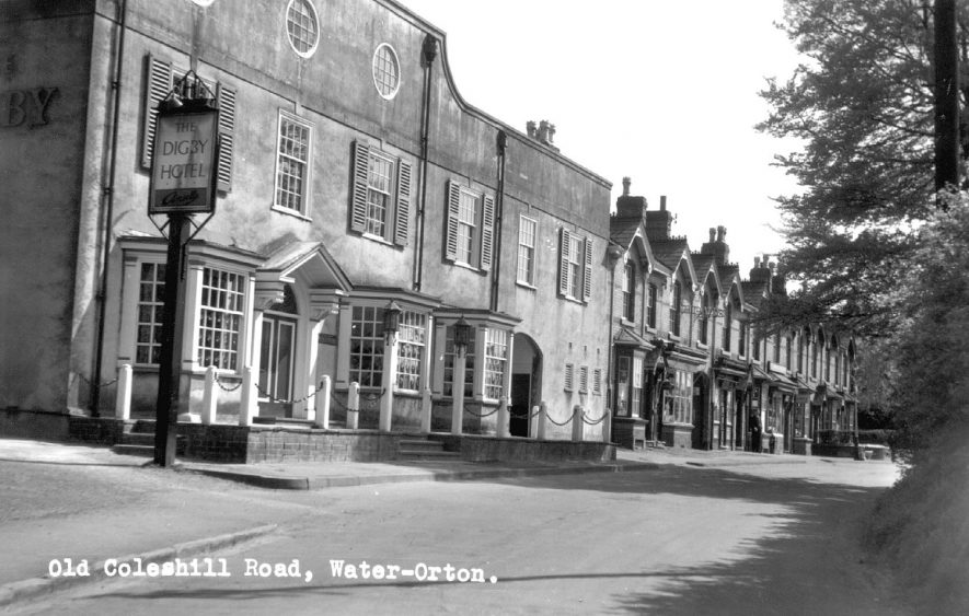 The Digby Hotel on the Old Coleshill Road, Water Orton.  1960s |  IMAGE LOCATION: (Coleshill Library)