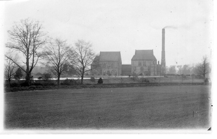 Whitacre waterworks, Shustoke.  1930s |  IMAGE LOCATION: (Coleshill Library)