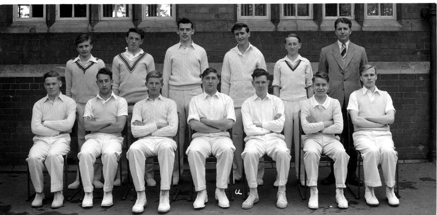 Cricket team group photograph, Coleshill.  1950s    IMAGE LOCATION: (Coleshill Library)