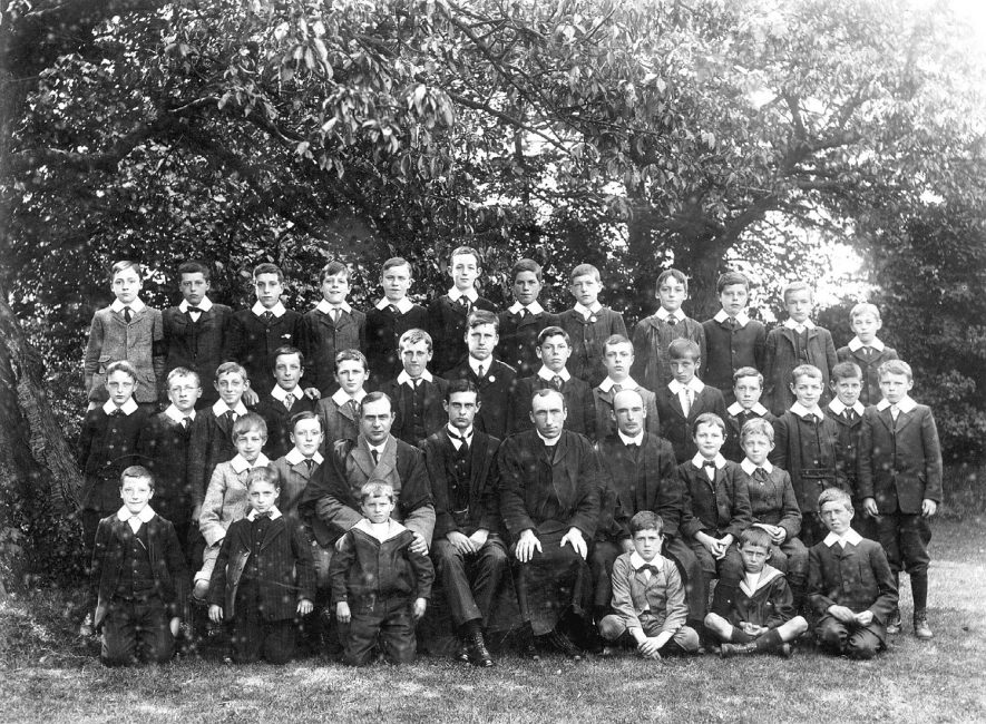 Group photograph of Grammar School boys and three teachers, including the head master, Rev. Bateman, Coleshill.  1900s |  IMAGE LOCATION: (Coleshill Library) PEOPLE IN PHOTO: Bateman, Revd, Bateman as a surname