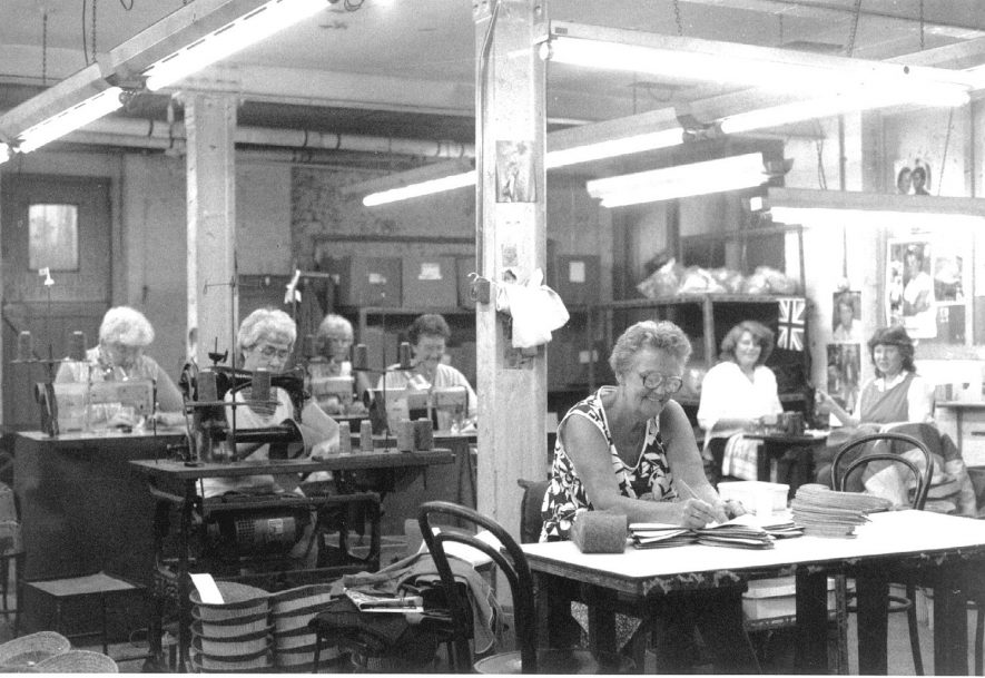 Austin Aspden Ltd, Atherstone.  Machine room with some of the staff.  1986
