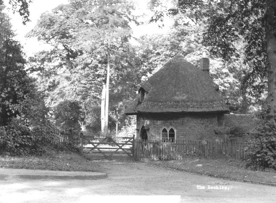 Small thatched circular cottage known as The Beehive, Atherstone.  1930s |  IMAGE LOCATION: (Atherstone Library)