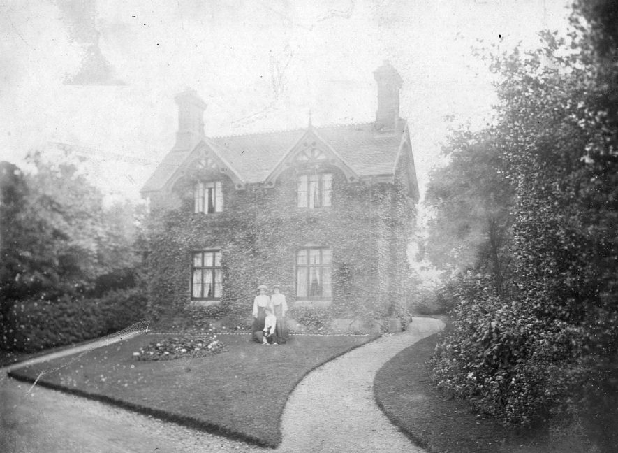 Purley Chase Lodge, Atherstone.  1920s |  IMAGE LOCATION: (Atherstone Library)