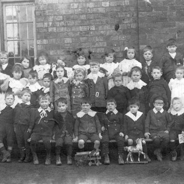 Baxterley.  Group of schoolchildren